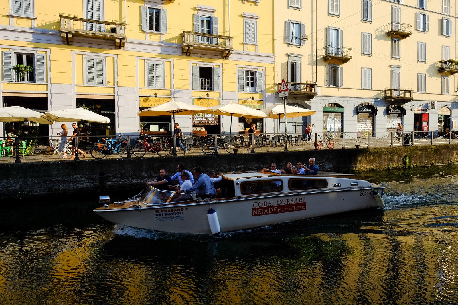 Boats cruising in Navigli