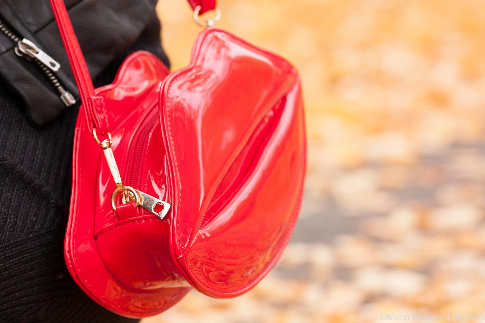 Huulilaukku_lip_bag_shiny_red