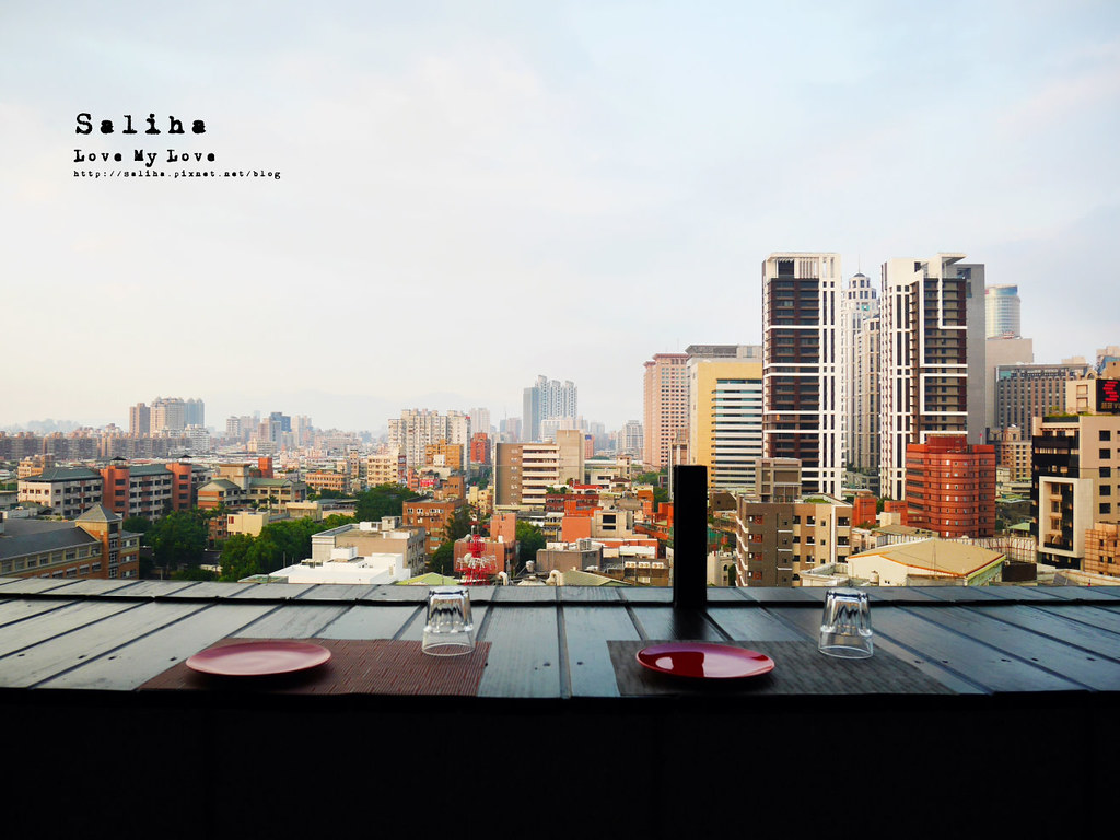 板橋府中站附近氣氛好浪漫約會餐廳美食推薦ABV閣樓餐酒館義大利麵沙拉啤酒 (6)