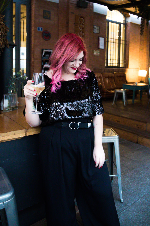 diy tutorial cucito maglietta di paillettes, curvy plus size outfit (4)