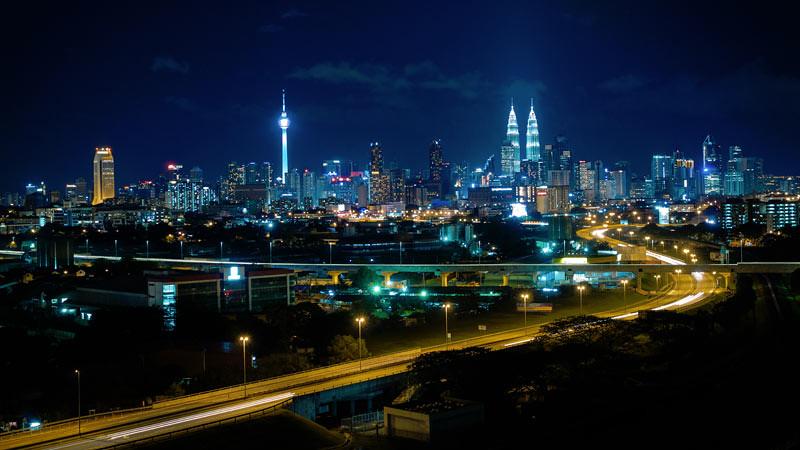 Kuala Lumpur di malam hari.