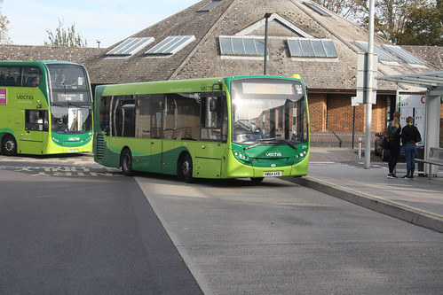 Go South Coast 2711 HW64AXB