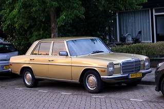 1975 Mercedes-Benz 220D (W115)