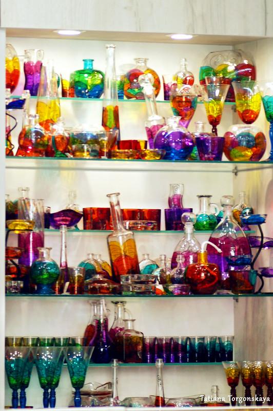 Стеклянные изделия в которском сувенирном магазине