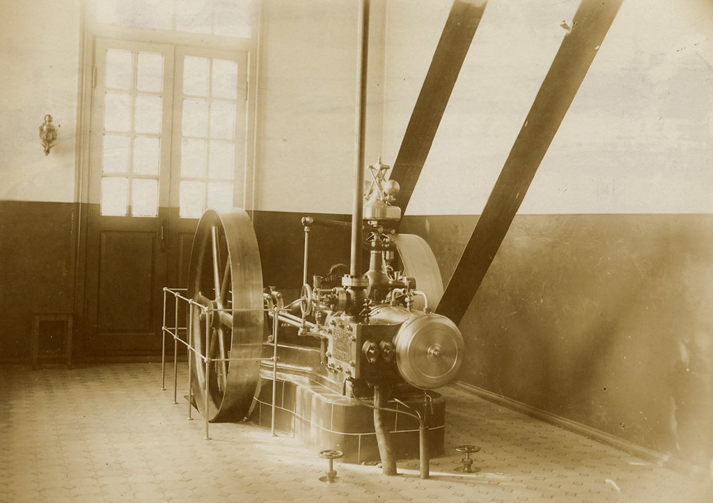 Паровая машина в техническом училище 1909