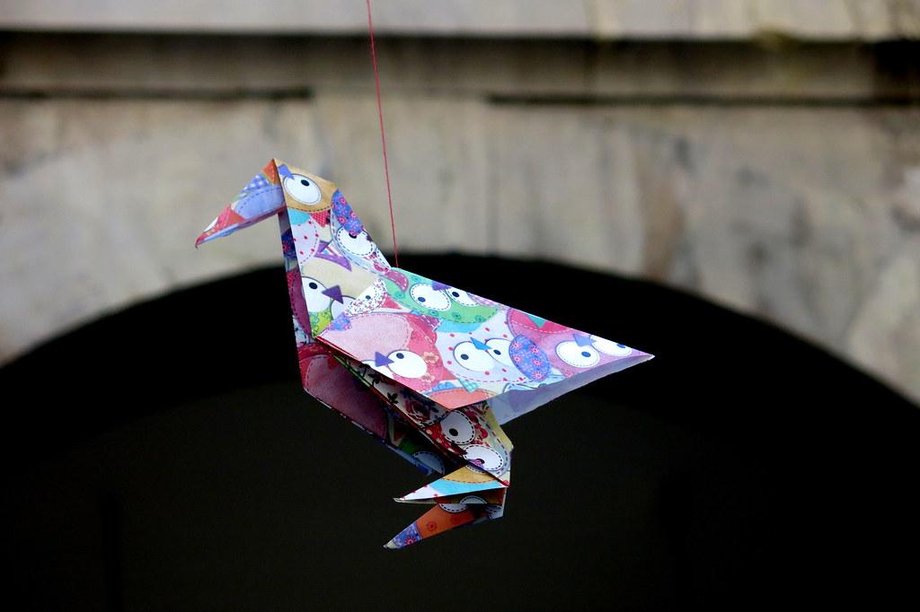 una pajarita de papel