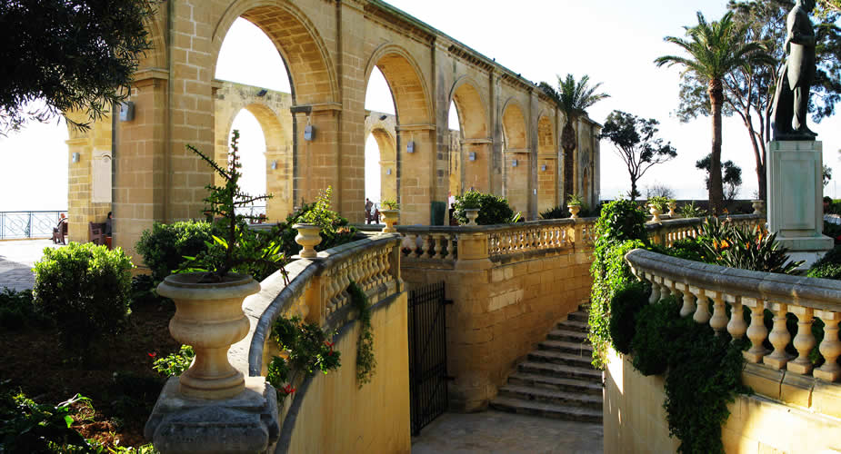 Must-see in Valletta: Upper Barrakka Gardens | Mooistestedentrips.nl