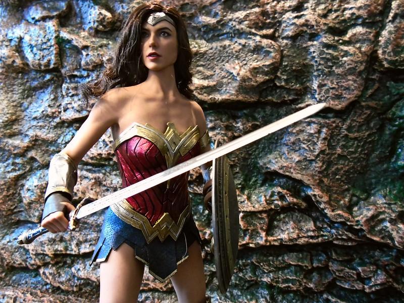 Wonder Woman 43930172635_d5cda55bbe_c