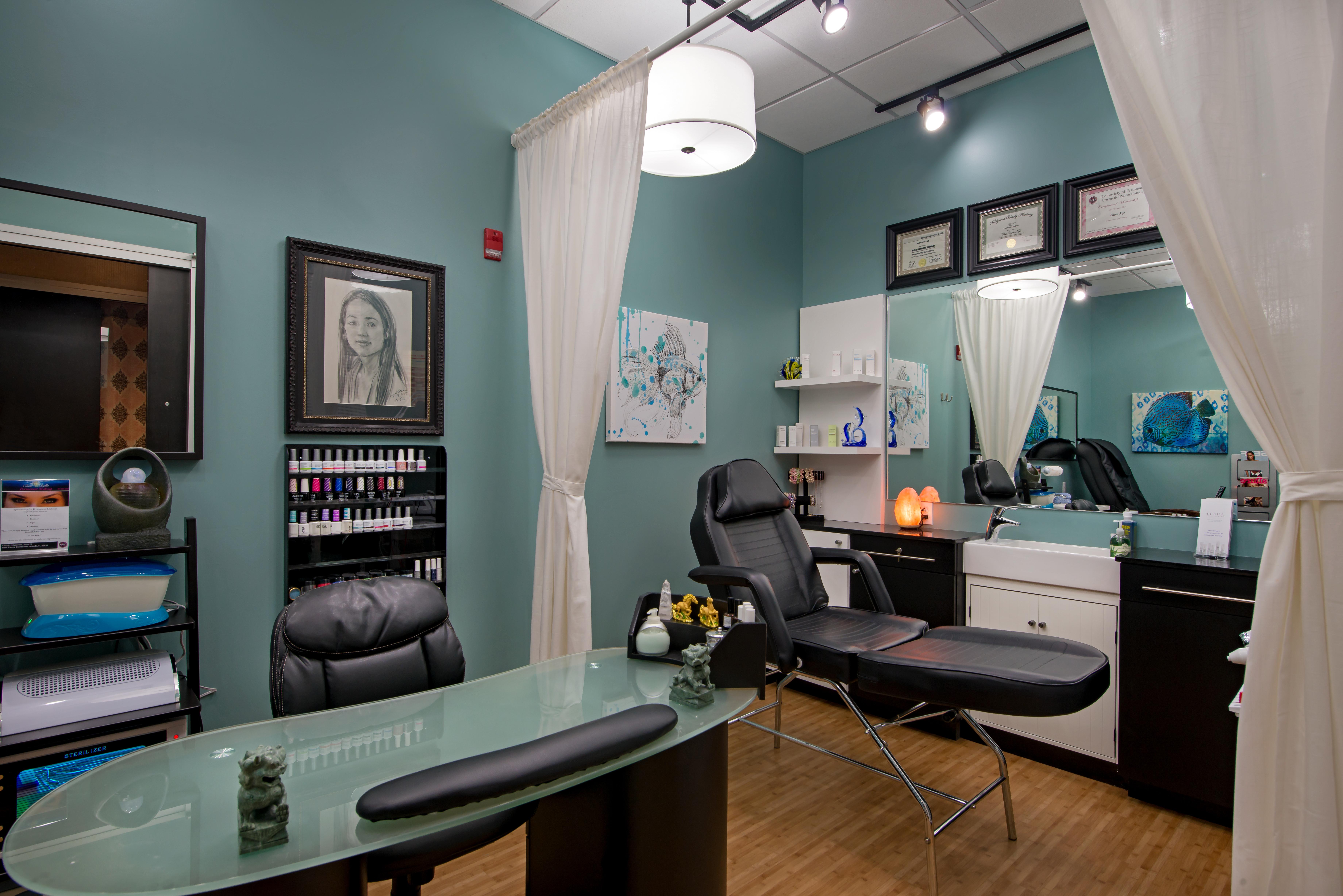 iStudio Salons Nail Studio