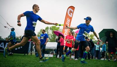 Týmový půlmaraton finišoval na Pankráci