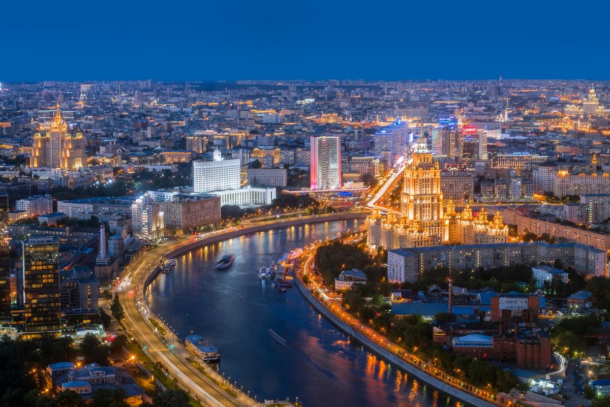 День и ночь в Москве