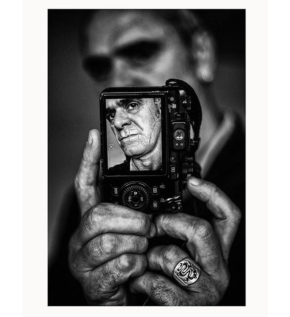IG08 @jorgemeis Jorge Meis Diaz TITULO:Retrato a Luis Botana,fotógrafo. FECHA:5-11-2012 LUGAR:Ferrol PAIS:España
