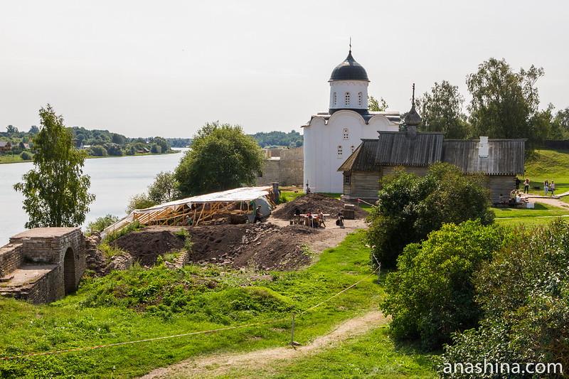 Археологические изыскания в Староладожской крепости