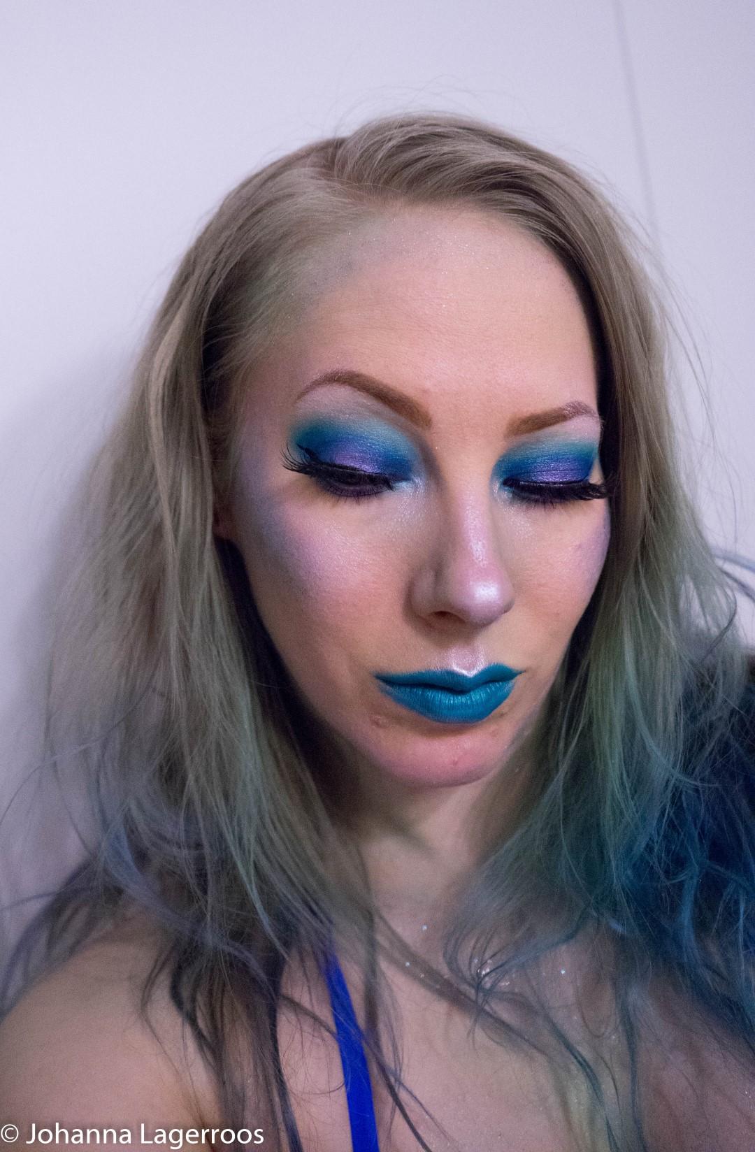 sea inspired makeup