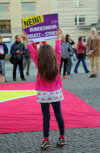 Protestaktion der Kampagne MACHT FRIEDEN.Zivile Lösungen für Syrien