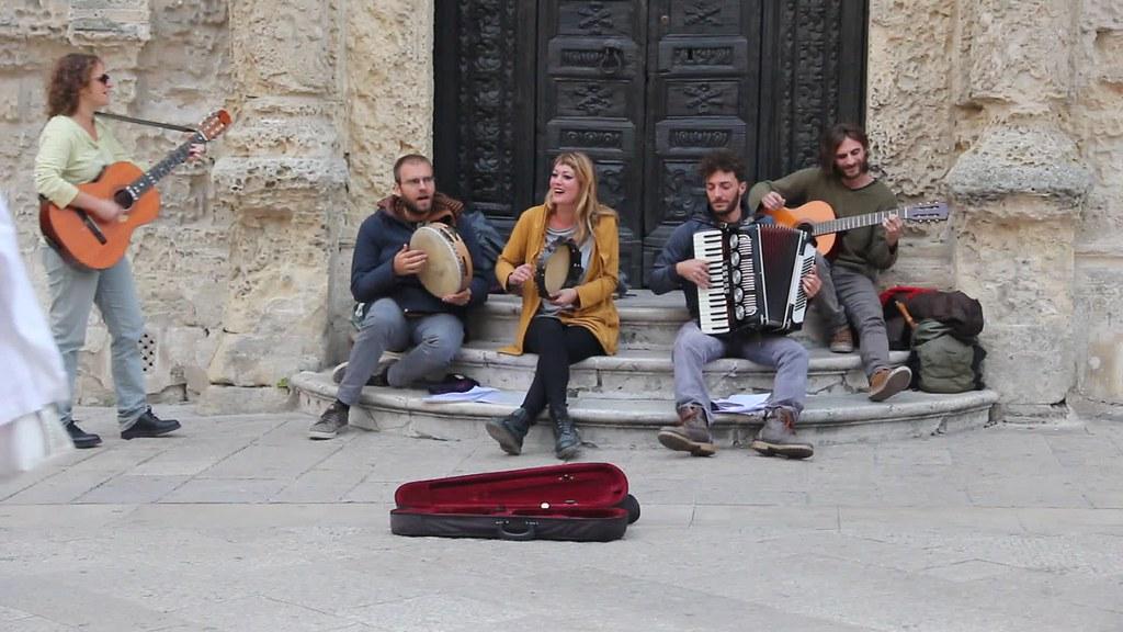 Live musicians, Matera
