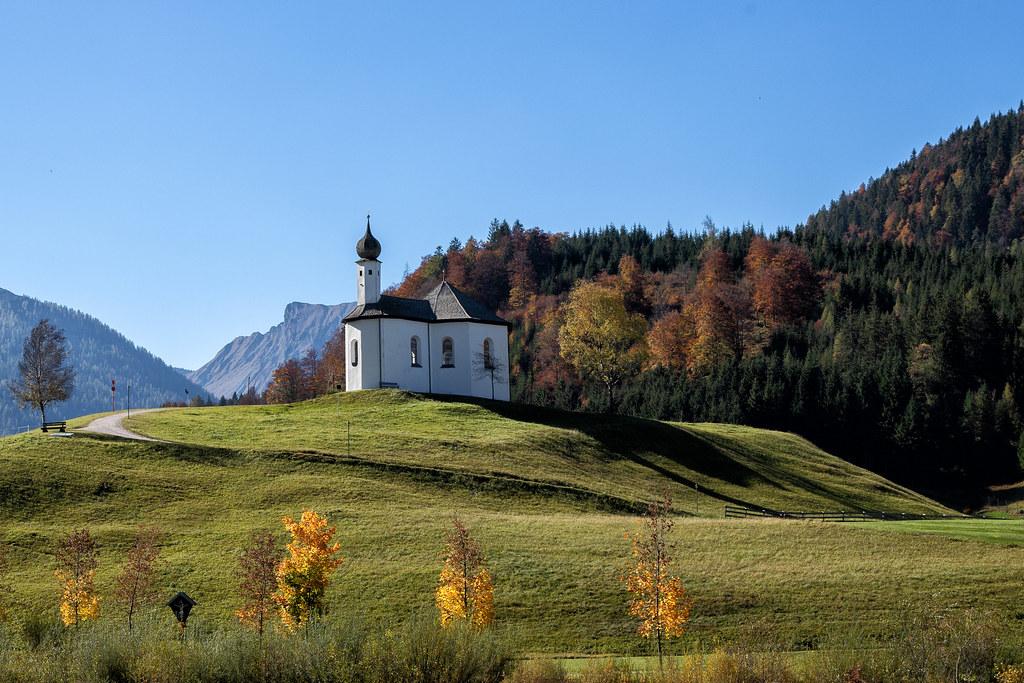Chapel / Kapelle im Herbst