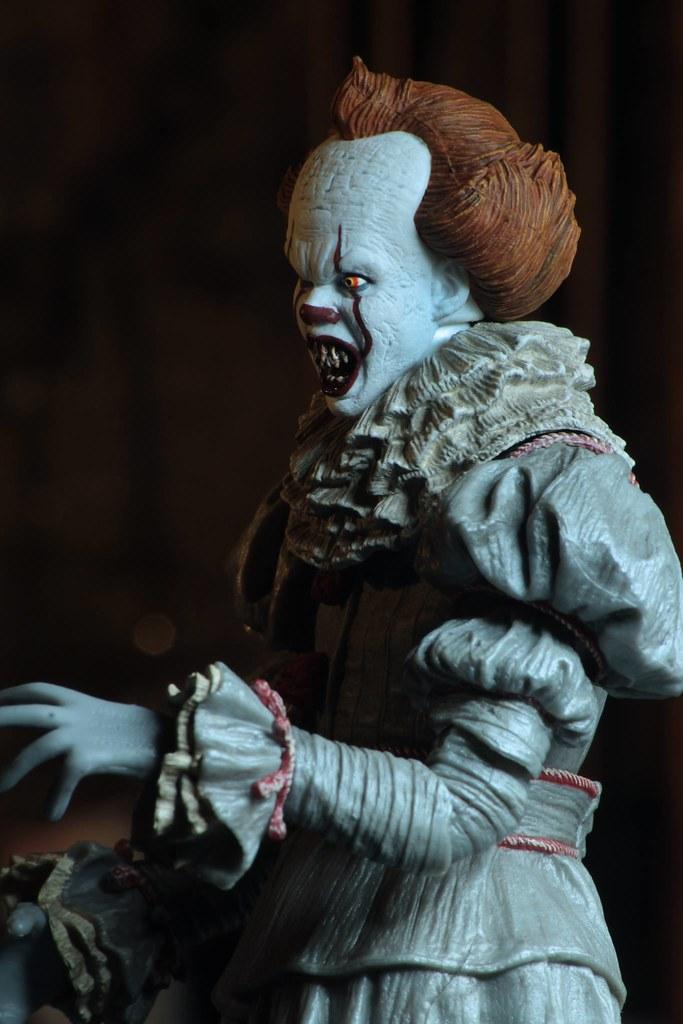 """更多令人毛骨悚然的頭雕!! NECA《牠(2017)》終極""""跳舞小丑""""潘尼懷斯 Ultimate """"Dancing Clown"""" Pennywise 7吋人偶作品"""