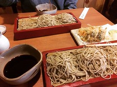 1st time eating soba in Tokyo and was shocked at the dark tsuyu(sauce) that they use...definitely not like what we've had in Osaka❤︎ ・ ・ ・ #更科 #蕎麦 #大森 #東京 #sarashina #soba #omori #tokyo #japan #布恒更科