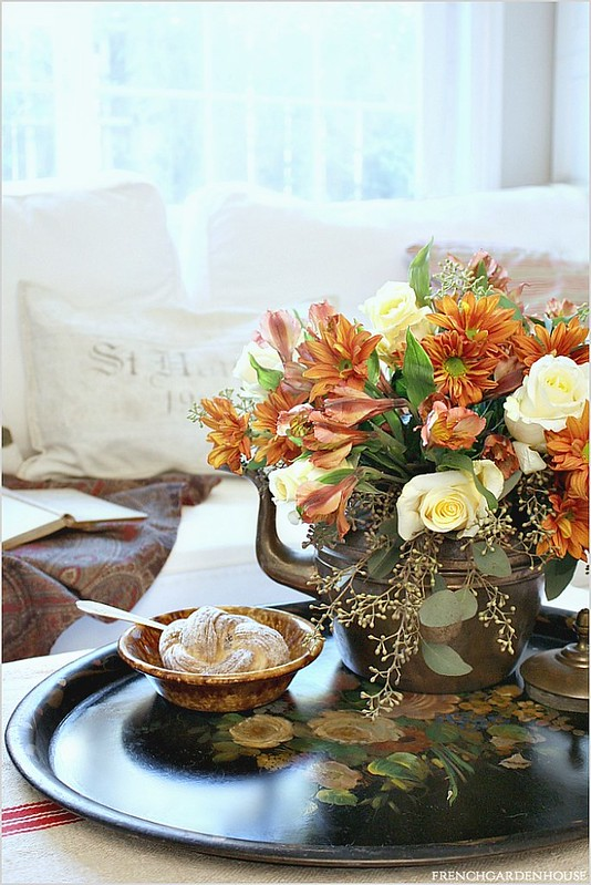Autumn-floral-arrangement-in-copper-antique-tea-kettle