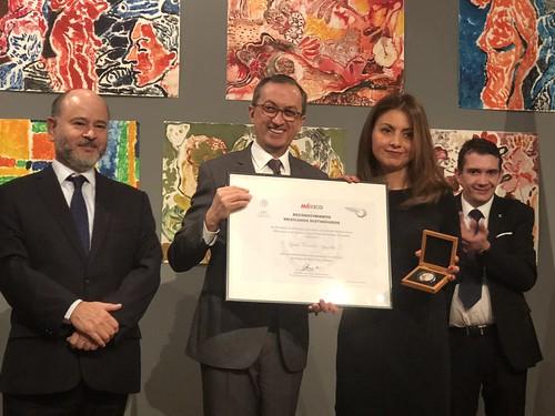 La chef mexicana Lydia González Aguilar recibe Reconocimiento Mexicanos Distinguidos en Francia