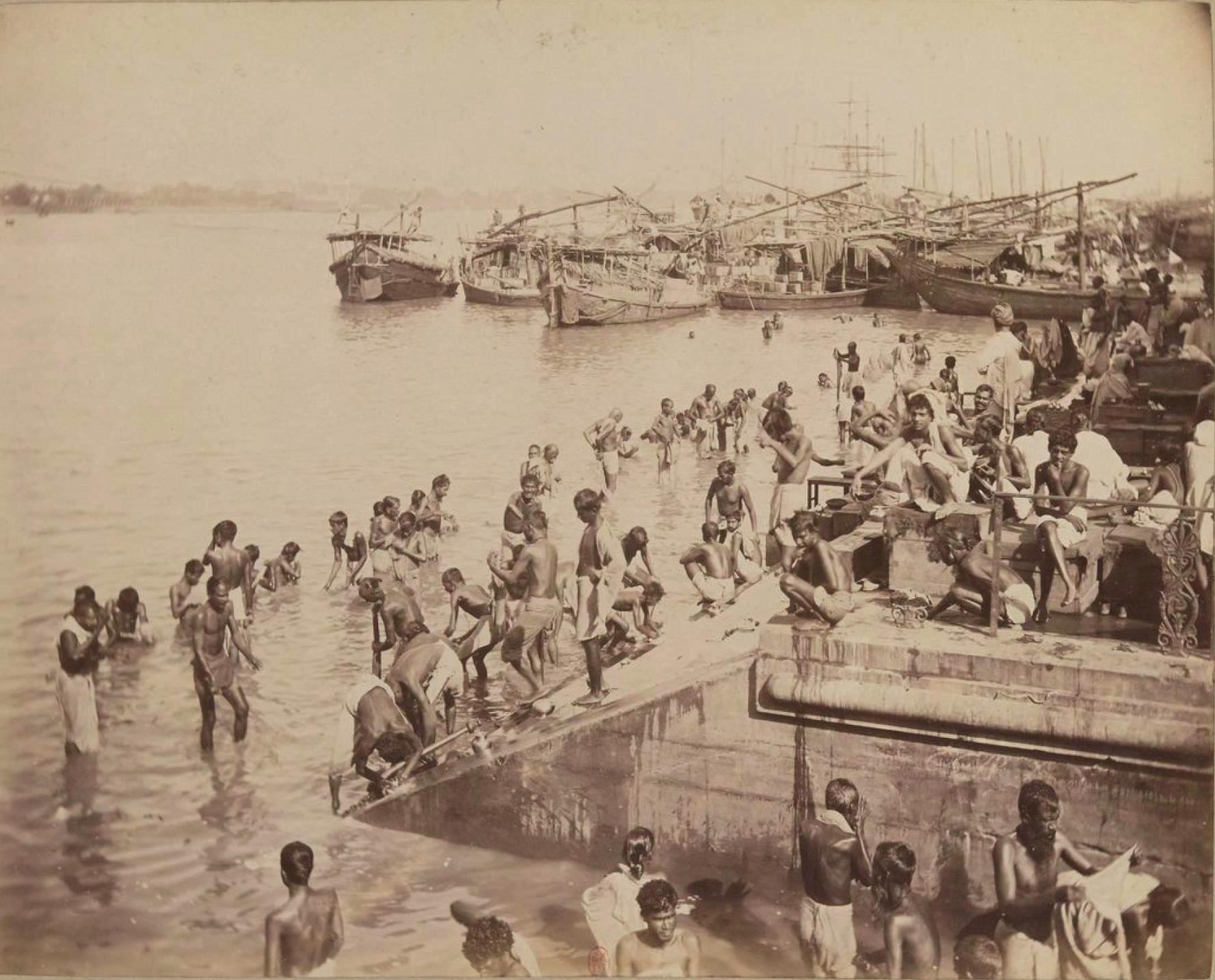 Индейцы совершают омовение в Ганге, Бенарес