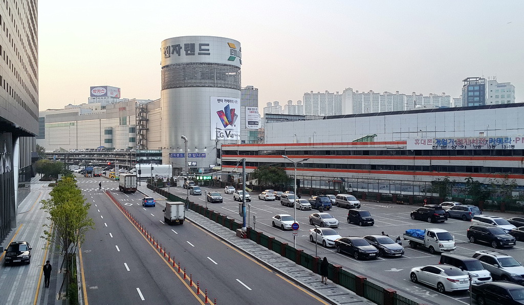 Yongsan Electronics Market area, part of it
