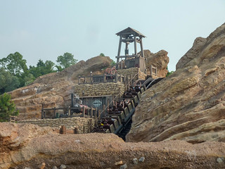 Photo 10 of 10 in the Big Grizzly Mountain Runaway Mine Cars gallery