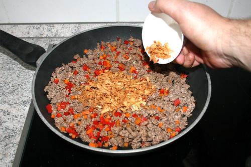 44 - Röstzwiebeln dazu geben / Add fried onions