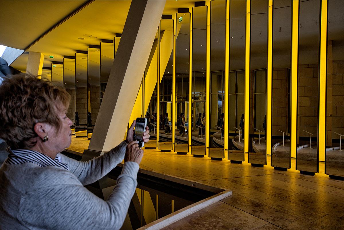jeux de reflets à la Fondation Louis Vuitton 43412469910_9b1ca40e2d_o