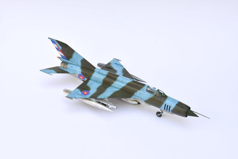 MiG-21R 01