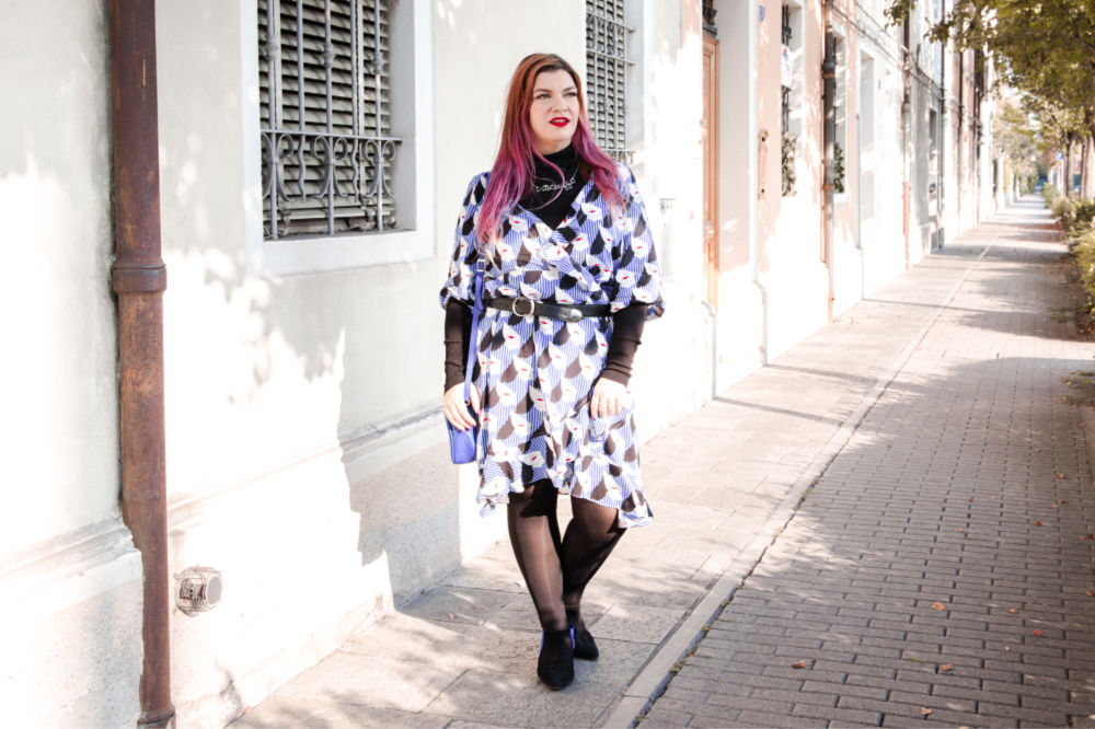 Outfit plus size curvy come indossare un capo estivo in autunno (10)
