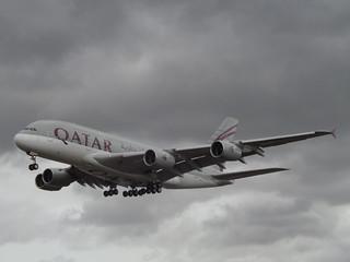 A7-APE Airbus A380 (Qatar Airways )