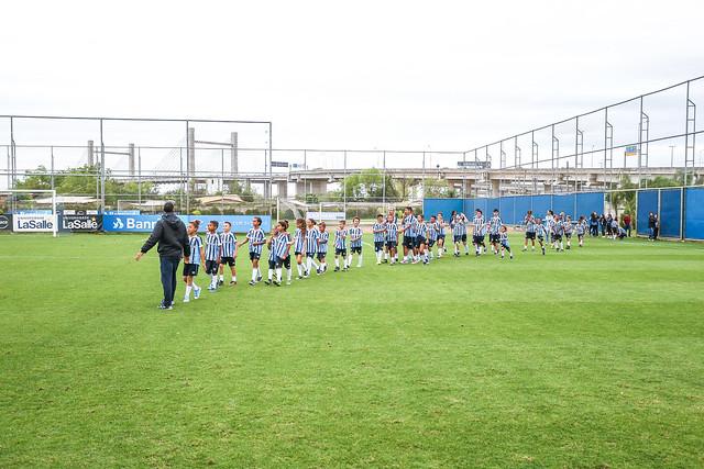 Crianças do IGT visitam o Treino do Grêmio