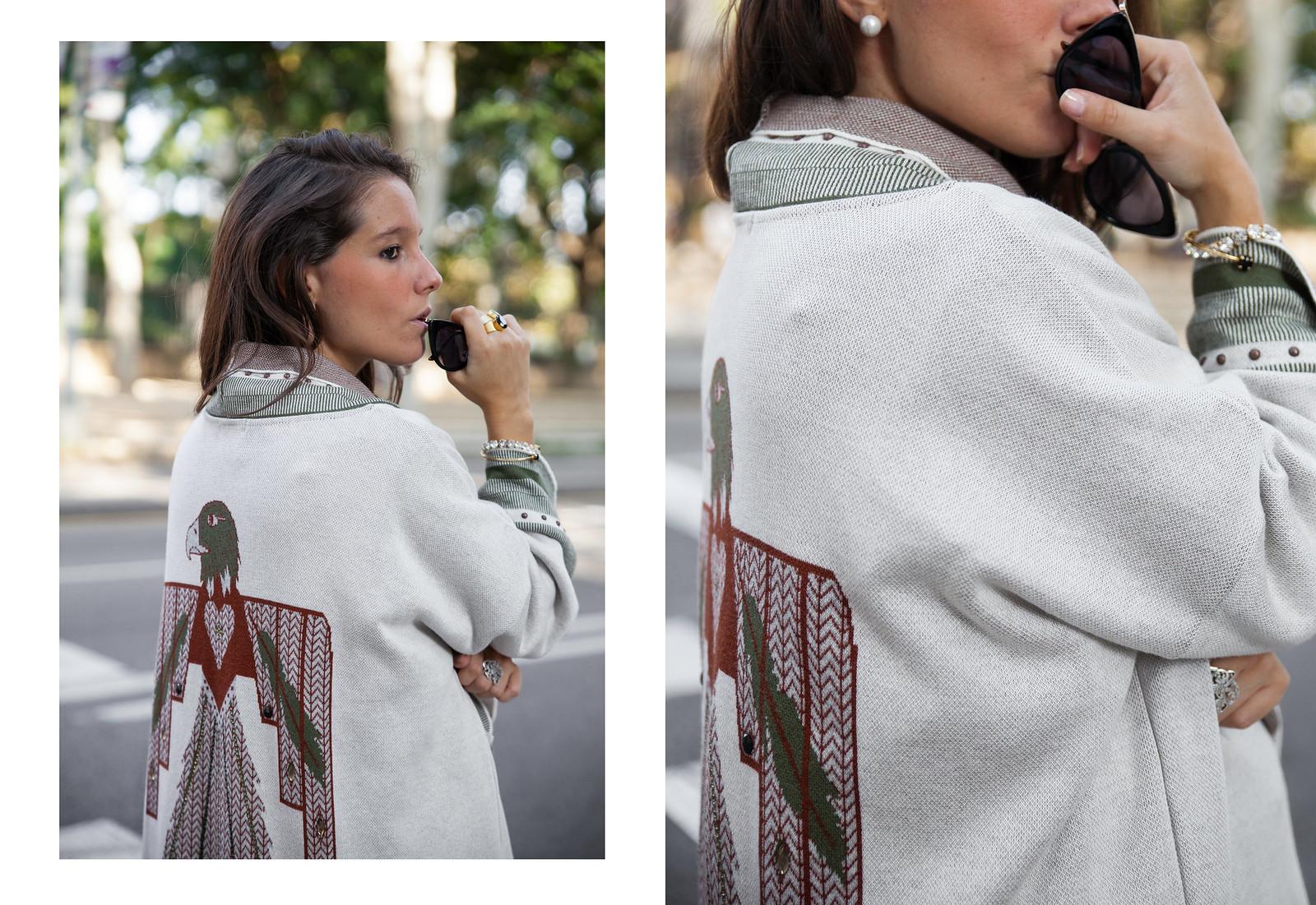 05_Como_combinar_un_cardigan_khaki_etnico_otoño_theguestgirl_rüga_laura_santolaira_influencer_embarazada_fashion_street_style_barcelona