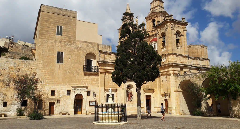 Doen in Mellieha, Malta: Church of Our Lady of Victory | Malta & Gozo