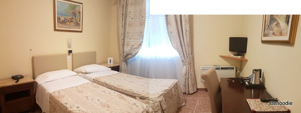 Hotel La Pace double bed room