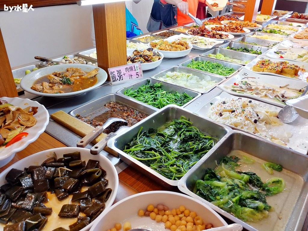 31708374258 317bb2689d b - 大甲清太健康素食自助餐,菜色選擇豐富秤重計價,靠近鎮瀾宮媽祖廟