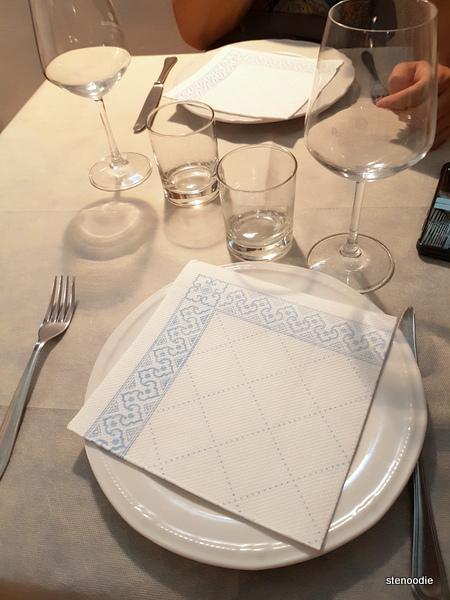 Ristorante Lo Schiaccianoci table setting