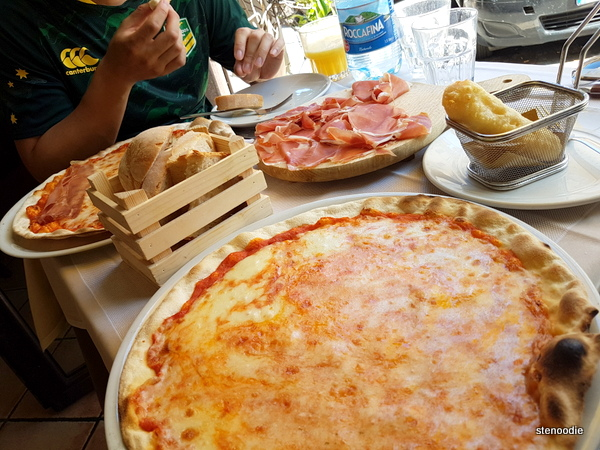 Naumachia Ristorante food