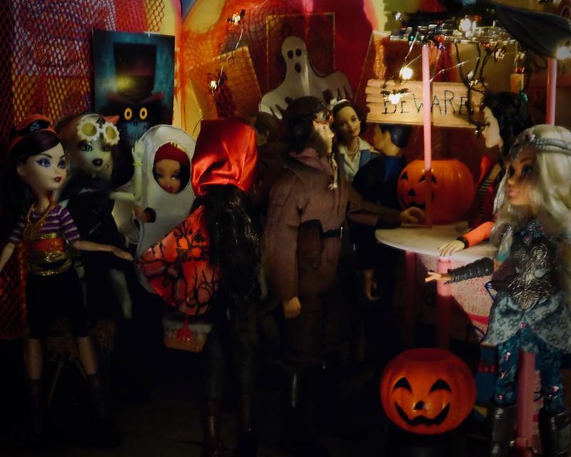 Fright Night - Happy Halloween! 43838260730_fe1739db9a_c