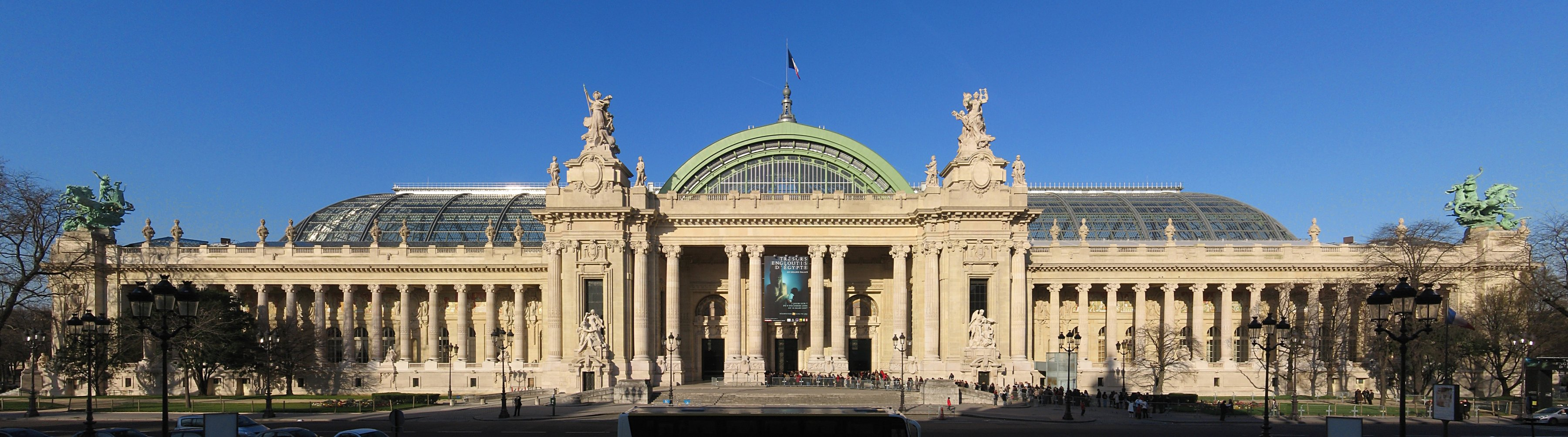 Panoramic view of the Grand Palais des Champs-Élysées, Paris, France. Photo taken on September 8, 2009.