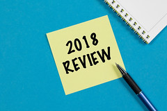 2018 Review Write on Note With Pen