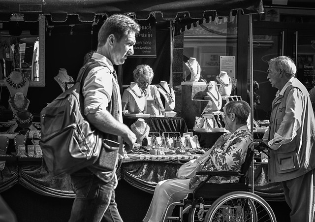 offers....not for men, Fujifilm X-T2, XF56mmF1.2 R
