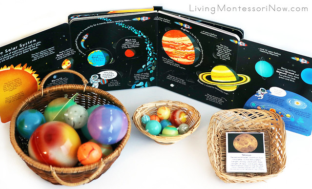 Space Book with Glow-in-the-Dark Planets and Solar System Cards