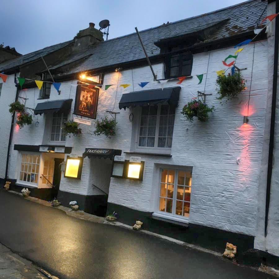 Noughts and Crosses Inn, Polperro, Cornwall. Credit Booking.com