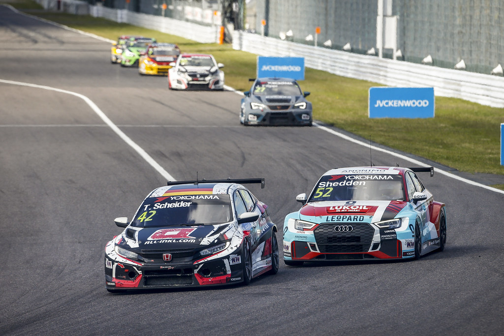 42 SCHEIDER Timo, (aut), Honda Civic TCR team ALL-INKL.COM Munnich Motorsport, action 52 SHEDDEN Gordon, (gbr), Audi RS3 LMS TCR team Audi Sport Leopard Lukoil, action during the 2018 FIA WTCR World Touring Car cup of Japan, at Suzuka from october 26 to 28 - Photo Francois Flamand / DPPI