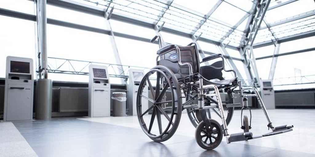 jeune-homme-paralysé-marche-stimulation-électrique