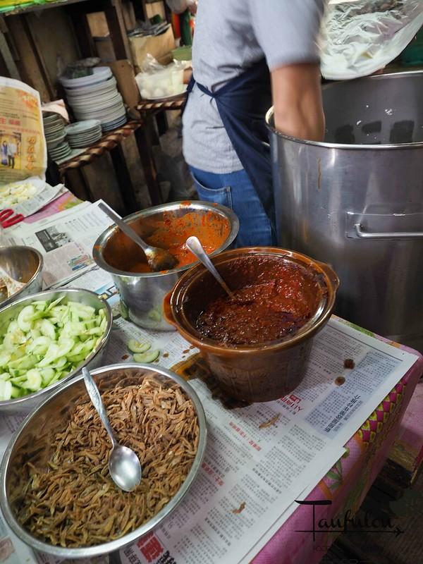 Taste Legendary Nasi Lemak Chow Kit Pasar (7)
