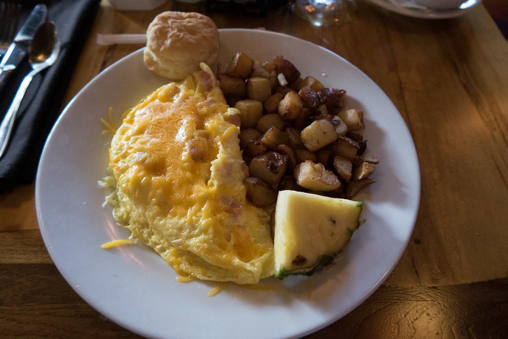Omelet at Kona Cafe